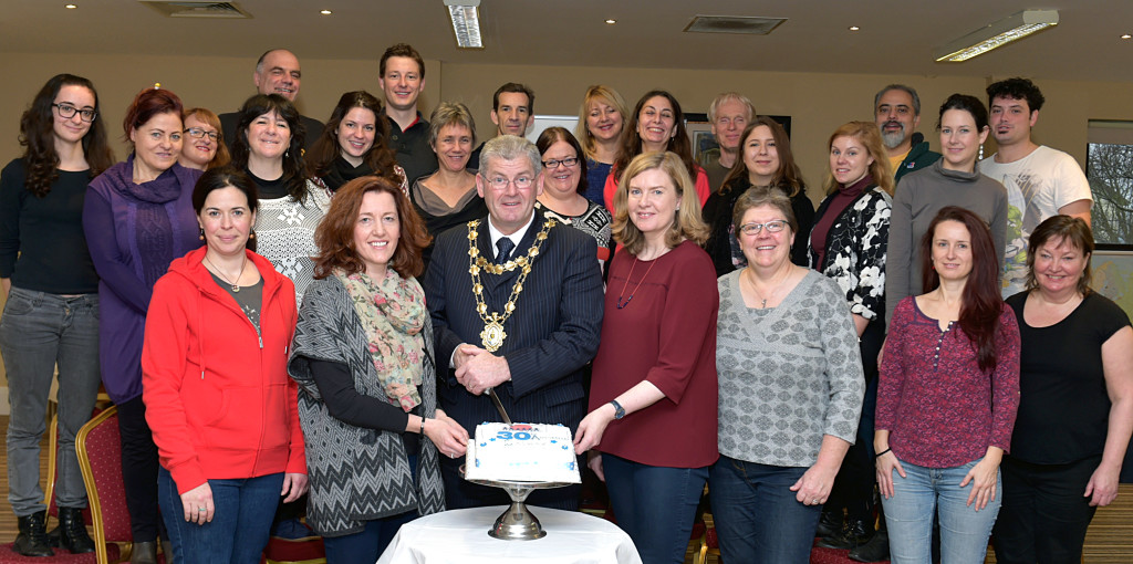 European Delegates celebrate the 30th anniversary of the Platform Network General Assembly with Mayor Frank Fahy